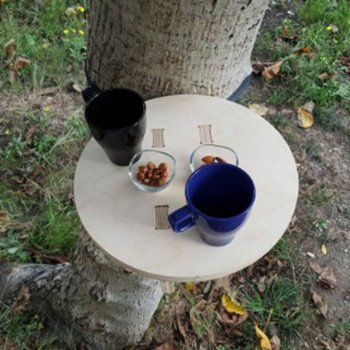 Tufetto - Tree Hugger Portable Table