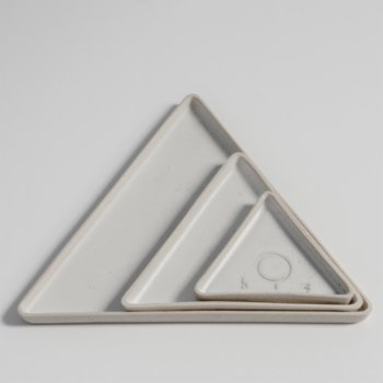 Hiç Ceramics - Small Triangle Plate
