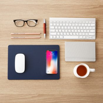 Pout - Hands 3 Midnight Wireless Charger Mouse Pad