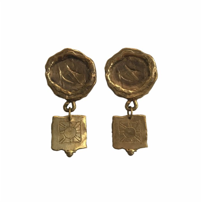 Mihaniki Design	 Zoe Square Earrings
