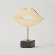 No 23 Design Studio  Kiss Sculpture