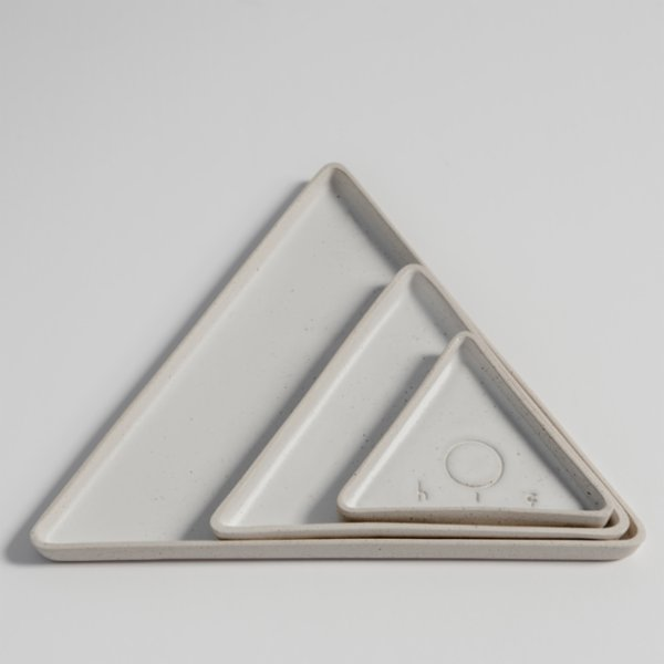 Hiç Ceramics Small Triangle Plate